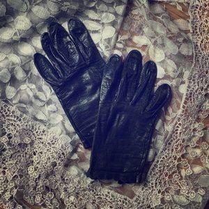 Miss Aris Vintage Gloves